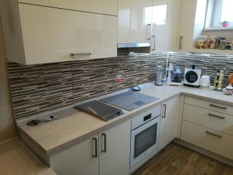 Festett konyhabútor - szögletes - magnólia